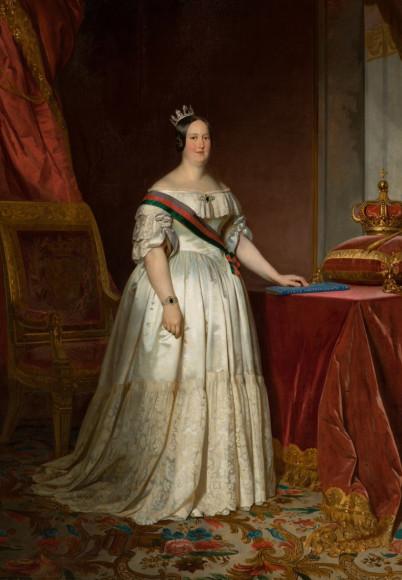 Королева Португалии Мария II в короне с сапфиром
