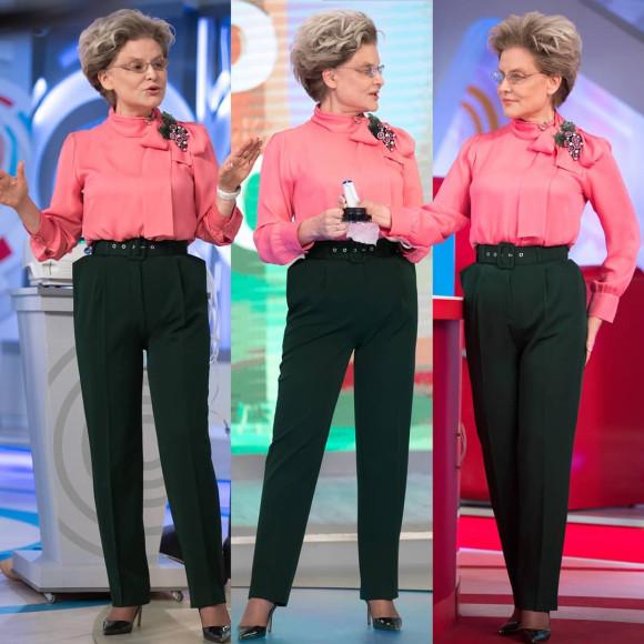 Елена Малышева в одежде, подобранной Аллой Вербер, в программе «Жить здорово»