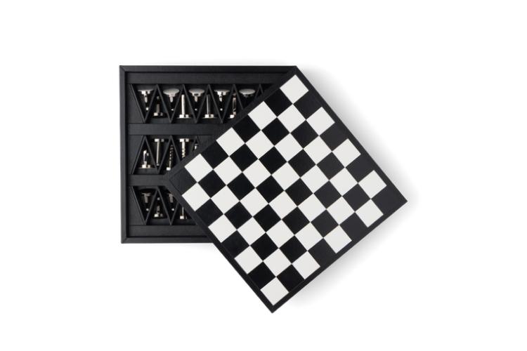 Шахматы Prada, 275 000 руб. (Prada)