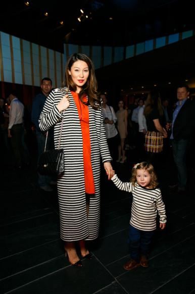 Марина Ким с дочкой