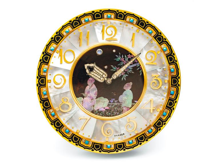 Часы в стиле ар-деко с лаковой миниатюрой, 1926 год,эстимейт 120-180 тыс. CHF