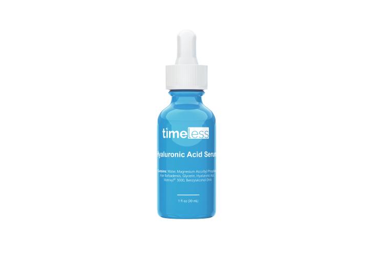 Сыворотка Hyaluronic Acid Vitamin C, Timeless Skin Care, Foam содержит витамин С (5%), безопасную альтернативу ретинолу Matrixyl 3000 (1,5%)и гиалуроновую кислоту (1%), чтобы разгладить и увлажнить кожу, побороть первые признаки старения и выровнять тон. Подходит для жирной кожи