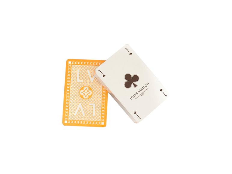 Игральные карты Louis Vuitton, 38 442 руб. (farfetch.com)