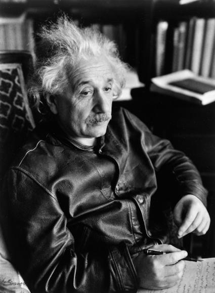 Альберт Эйнштейн в кожаной куртке, 1938 г.