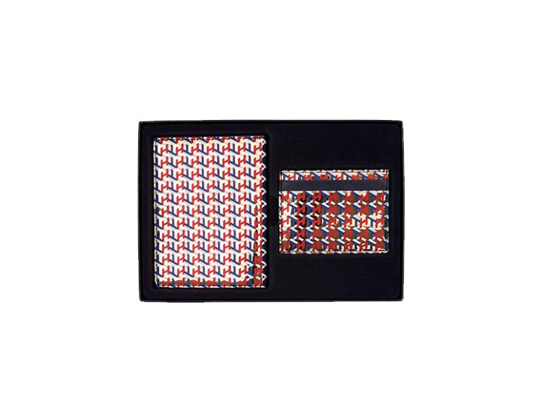 Обложка на паспорт и картхолдерTommy Hilfiger, 8490 руб. (Tommy Hilfiger)
