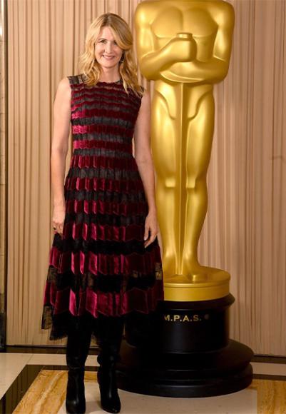Лора Дерн в платье Oscar de la Renta на «Оскаре»