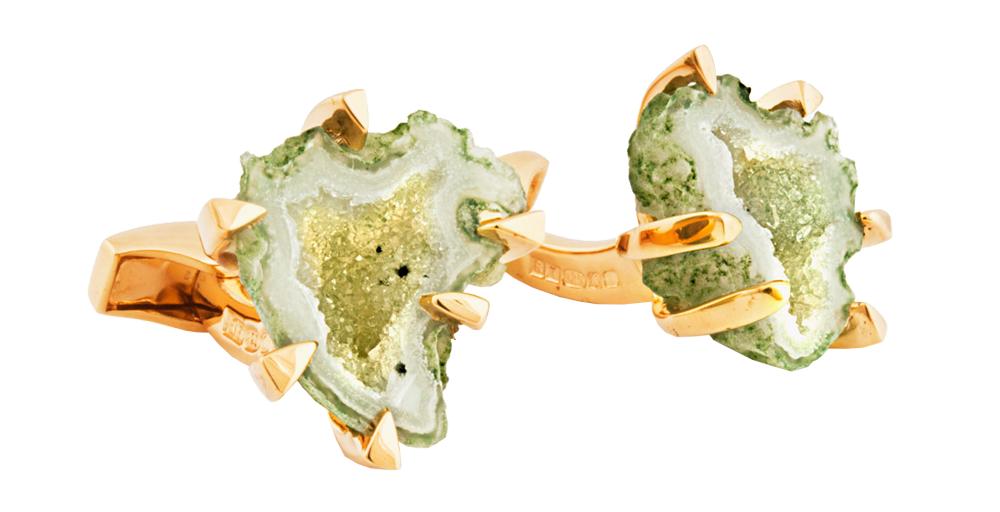 Запонки, Tateossian. Золотые запонки с друзой (сросшимися кристаллами) для делового дресс-кода покажутся нескромными, зато великолепно будут смотреться со смокингом.