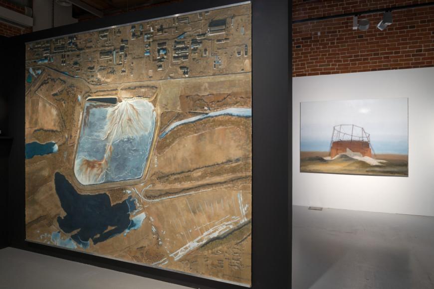Вид экспозиции выставки Павла Отдельнова «Промзона». Выставочная программа премии «Инновация-2020»