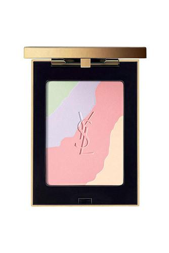 Смешав все оттенки палетки Gypsy Opale, Yves Saint Laurent, нанесите пудру на лицо и декольте — это придаст коже гладкость и деликатное свечение. А если нужна коррекция, лучше сперва поработать маленькой кистью и замаскировать несовершенства точечно: светло-зеленый — нейтрализует красноту, лиловый придает сияние, розовый освежает, а желтый лучше всего борется с синячками.