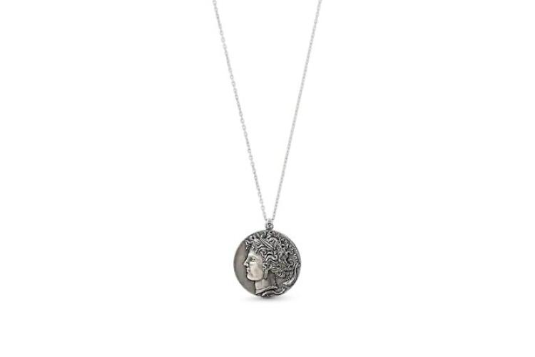 Подвеска Cameo Coin, 55000 руб. (Louis Vuitton)