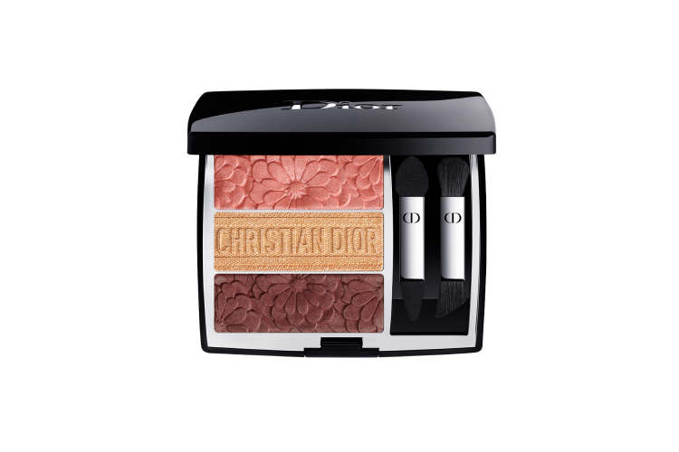 Палетка для макияжа глаз 3 Couleurs Tri(o)blique Pure Glow, оттенок 643, Dior, 4350 руб. (diorbeauty.ru)