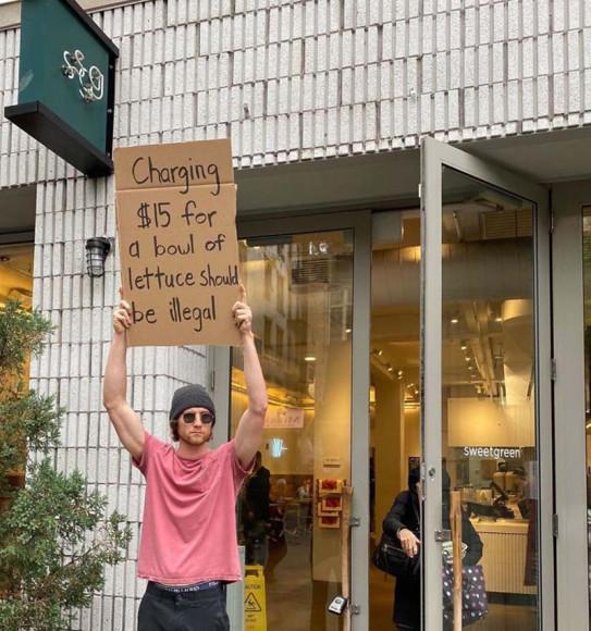 «Брать$15 за миску салата должно быть незаконно»