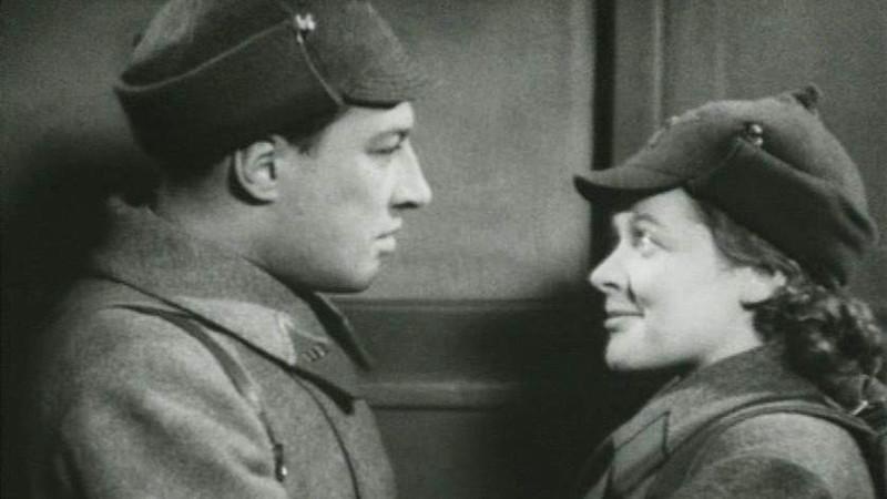 Кадр из фильма«Фронтовые подруги»