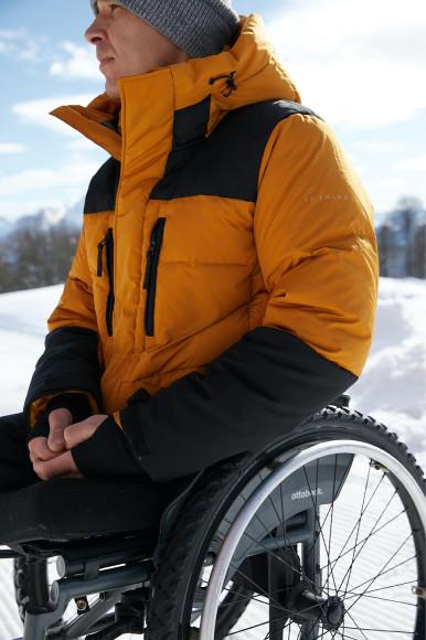 Алексей Быченок в куртке Finn Flare