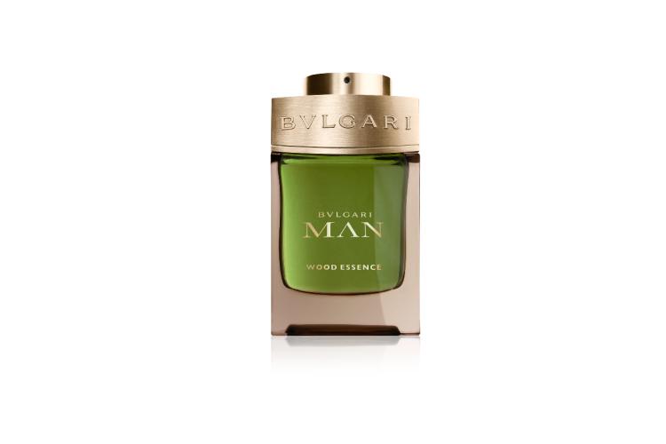 Мужской аромат Man Wood Essence, Bvlgari с нотами засахаренных цитрусов, цедры лимона, кориандра, кипариса, кедра и ветивера