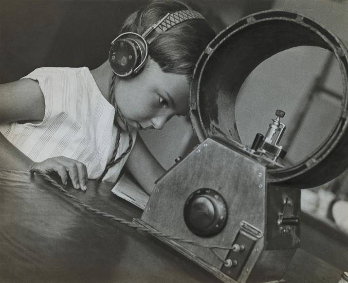 Александр Родченко. «Радиослушатель», 1929