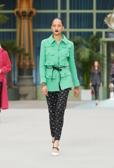 Образы из круизной коллекции Chanel сезона2019/20