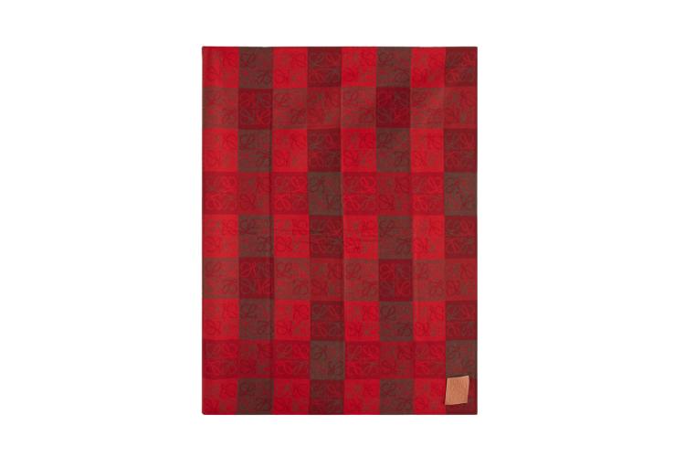 Плед Loewe, 77 535 руб. (matchesfashion.com)