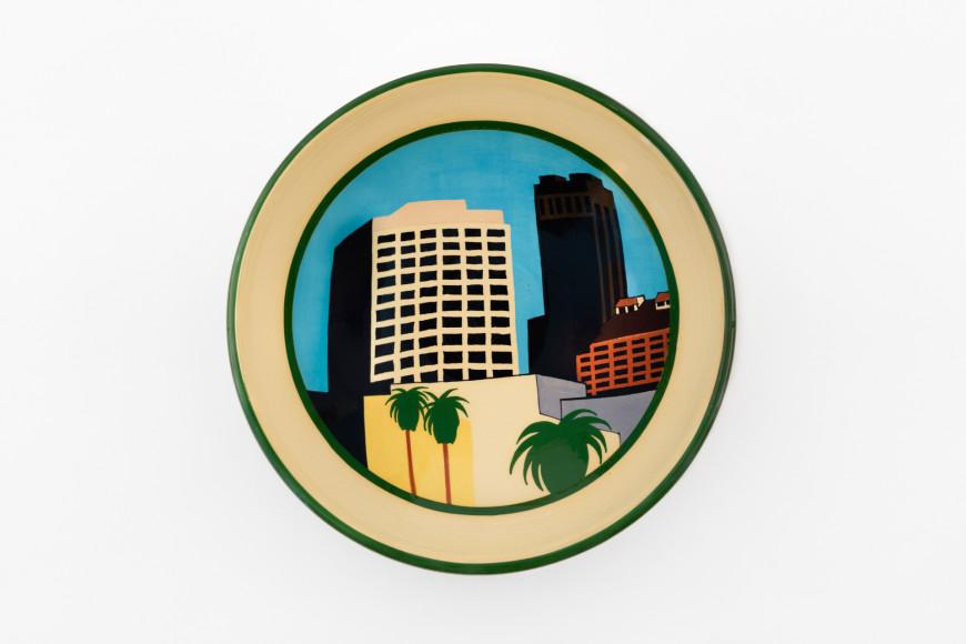 Керамическая тарелка, серия LA,КеннетПрайс, 1991 год