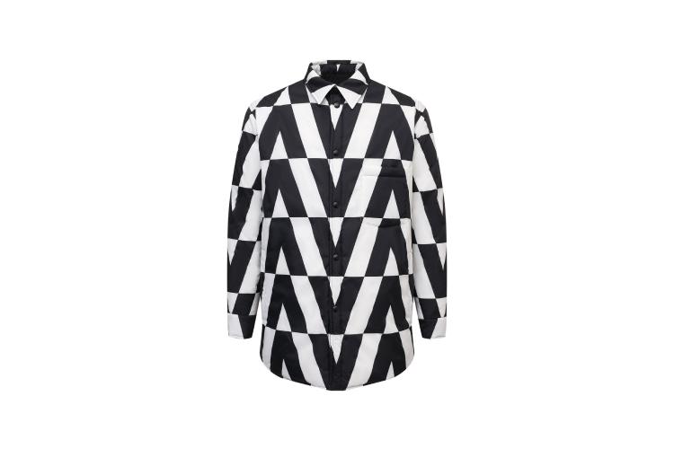 Куртка Valentino, 180 500 руб. (Третьяковский проезд)