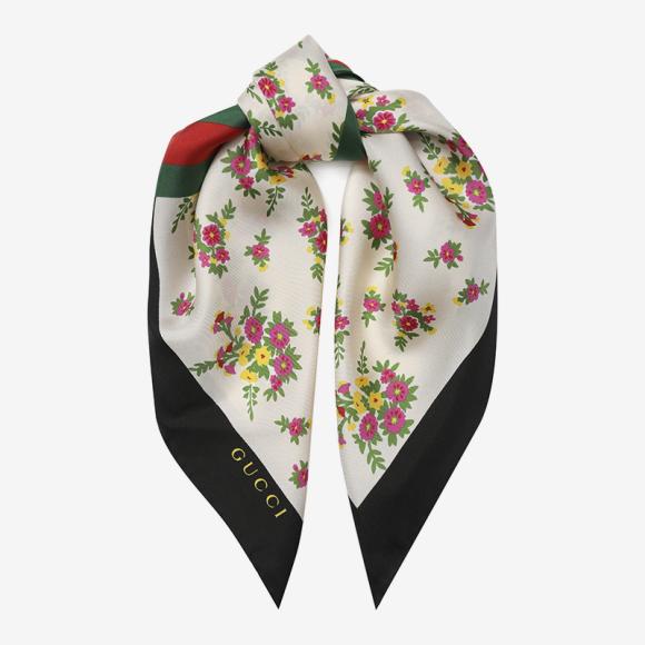 Платок Gucci (ЦУМ), 19 800 руб.