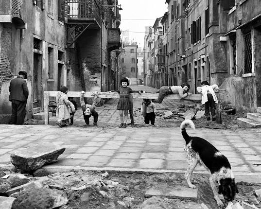 Элио Чиол. Играющие в Кьодже, 1961
