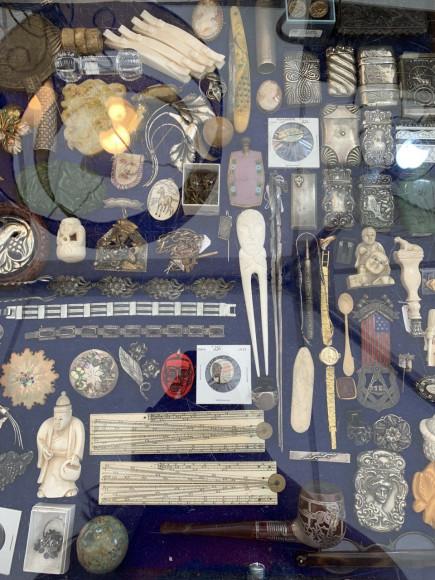 Блошиный рынок Brimfield Antique Show в Спрингфилде, штат Массачусетс