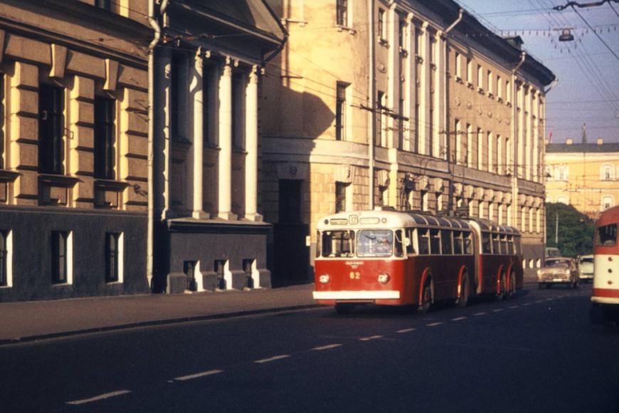 Сочлененный троллейбус, 1960-е