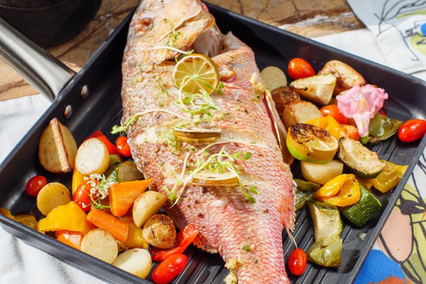 Рыба на гриле в ресторане Miss Olive Oyl