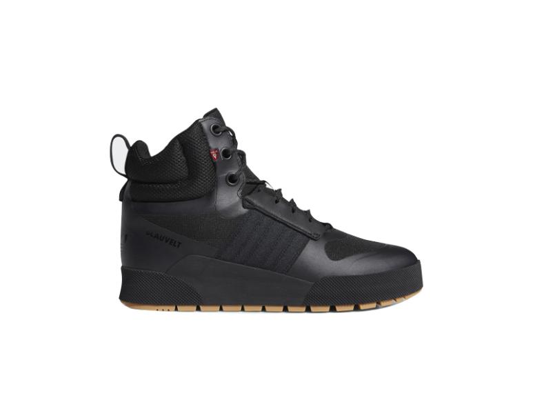 Мужские кроссовки adidas, 13 999 руб. (adidas)