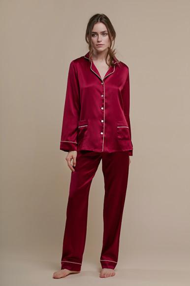 Шелковая пижама Primrose, 17 500 руб.