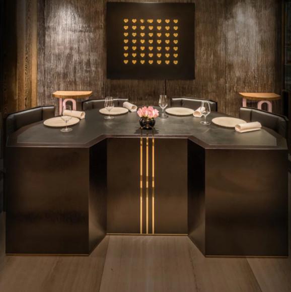 Рестораны, удостоенные трех звезд «Мишлен». По мнению составителей гида, исключительная кухня этих заведений заслуживает отдельного путешествия. RestaurantGordon Ramsay, Лондон