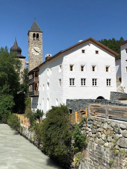 Здание и экспозиция музея Susch
