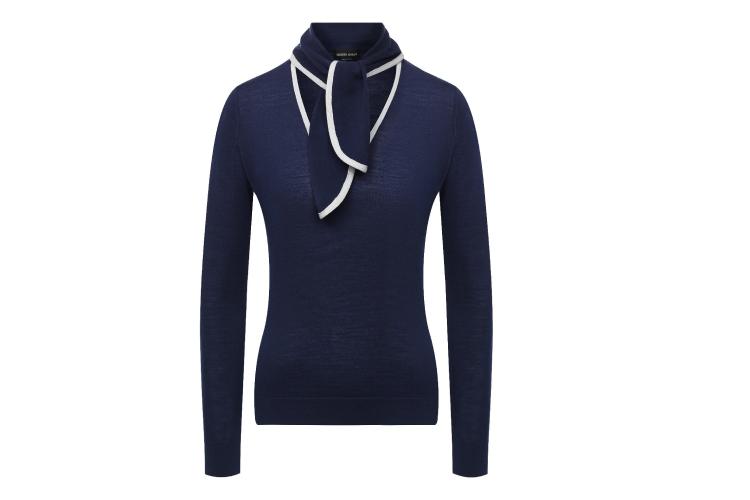 Пуловер Giorgio Armani, 63 200 руб. (Третьяковский проезд)