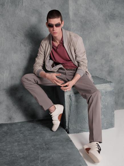Бомбер, поло, брюки, кеды, очки— все Ermenegildo Zegna