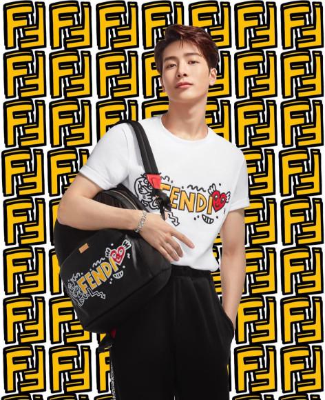 Участник GOT7 Джексон Ван в рекламной кампании коллаборации Fendi X Mr Doodle, июль 2020