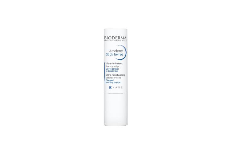 Увлажняющий стик для губ Atoderm, Bioderma помогает успокоить и увлажнить поврежденную сухую кожу благодаря вазелину, маслу ши, витамину Е и экстракту ламинарии в составе