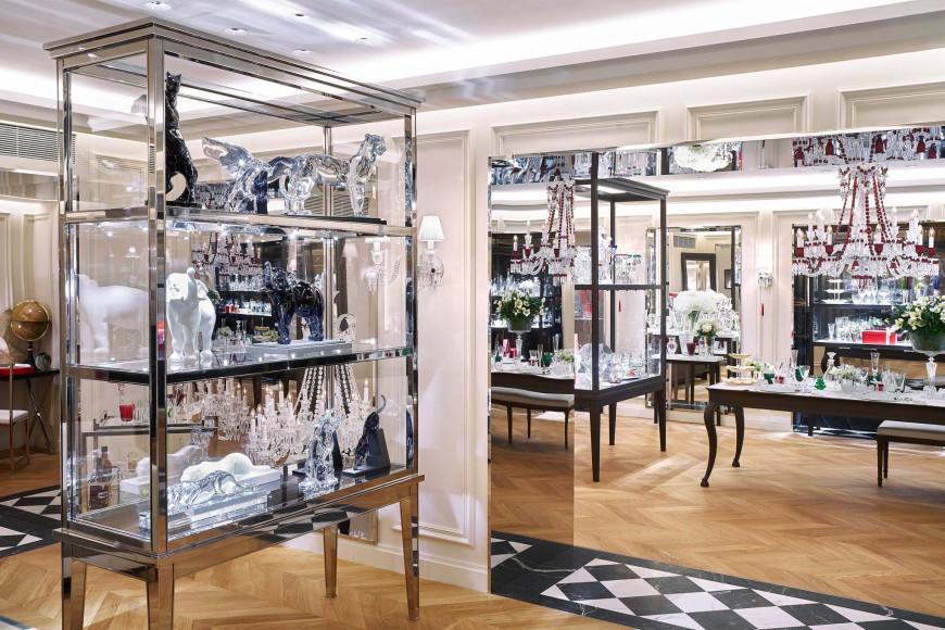 Фирменный магазин Baccarat в Париже, Франция