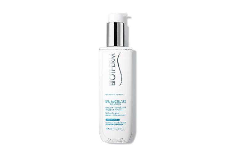 Мицеллярная вода Biosource Eau Micellaire, Biotherm содержит 36 элементов, минералов и витаминов, благодаря которым активируются жизненные силы клеток