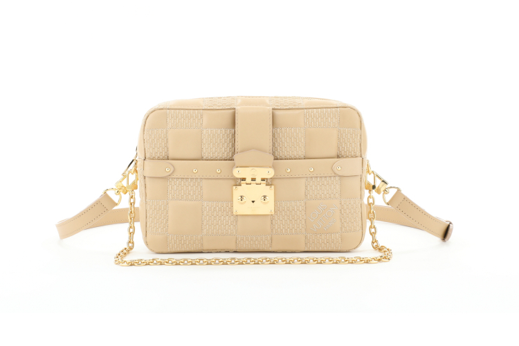 Louis Vuitton Troca, 287 000 руб. (Louis Vuitton)