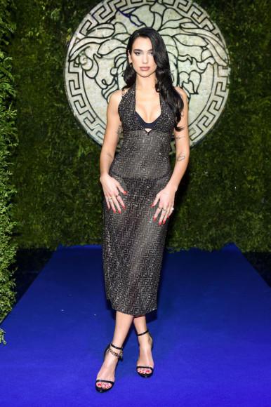 Дуа Липана показе совместной коллекции Fendi и Versace
