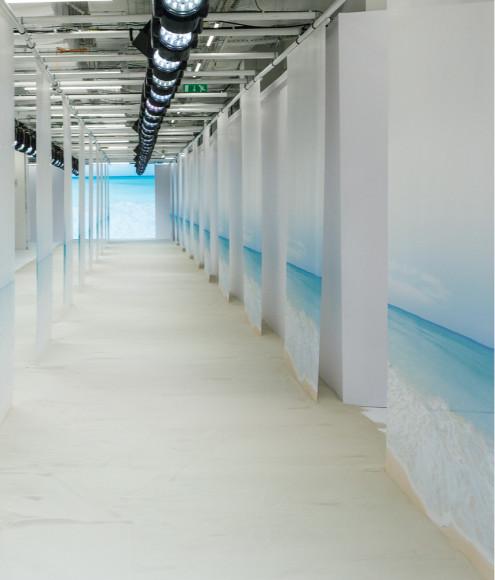 Подиум показа TSUM Fashion show, лето 2021