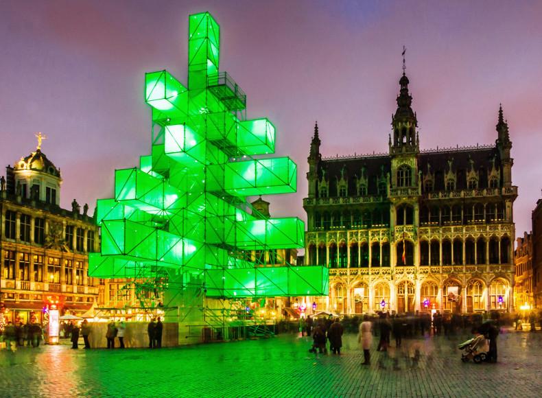Рождественская ель на главной площади в Брюсселе, 2012