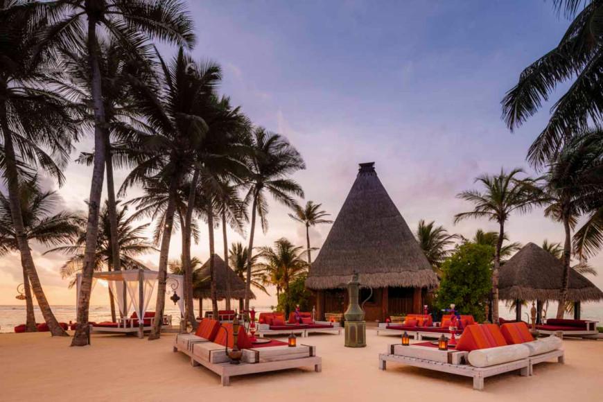 Ресторан Fangitha на курорте на курорте One&Only Reethi Rah (Мальдивы)