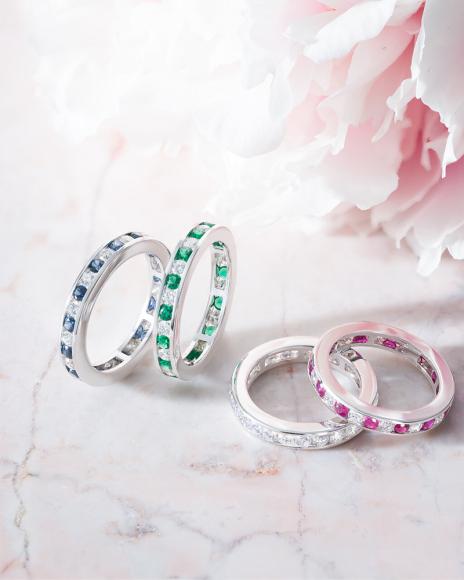 Кольца Color с чередованием цветного драгоценного камня с бриллиантами