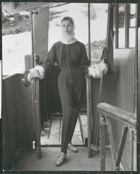 Модель в одежде Bogner, 1954 год