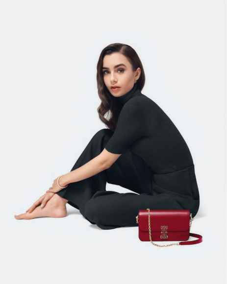 Лили Коллинз в рекламной кампанииDouble C de Cartier