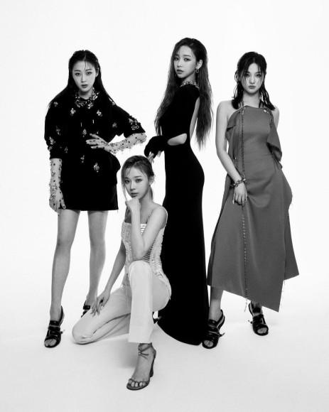 Группа Aespa в рекламной кампании коллекции Givenchy сезона весна-лето 2021