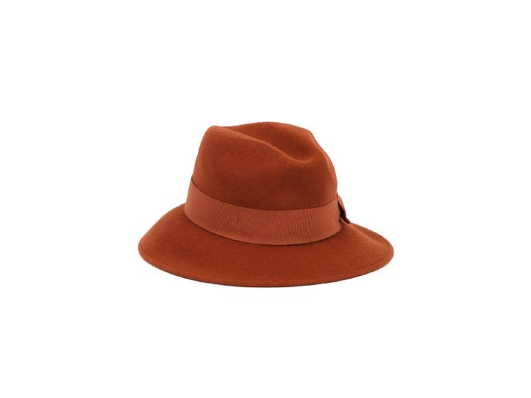 Шляпа Max Mara, 15 050 руб. (ГУМ)