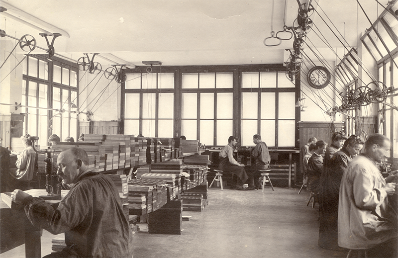 Одна из первых часовых мануфактур Tissot в Женеве.